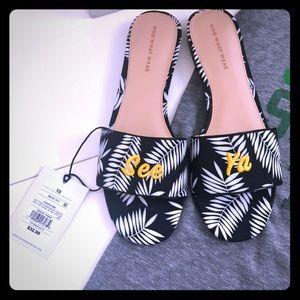 Who What Wear Sloane Palm Slide Sandals in See Ya